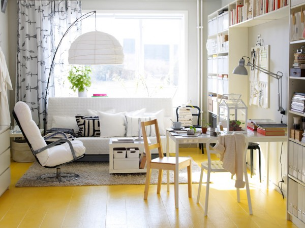 Impossible to resist! A bright yellow floor bursts with charisma, surely lifting the spirits of anyone who enters. Abundant light floods the white furniture and further fuels the sunny theme.