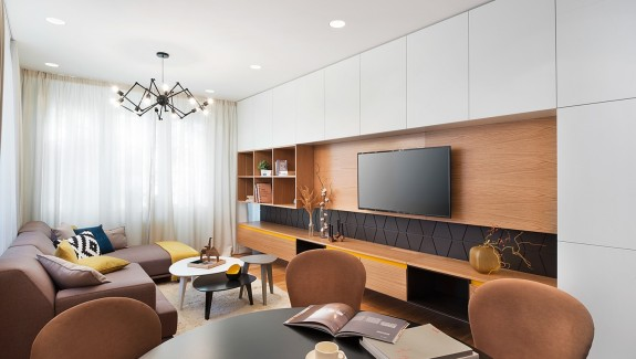 A Mid-Century Inspired Apartment With Modern Geometric Accents