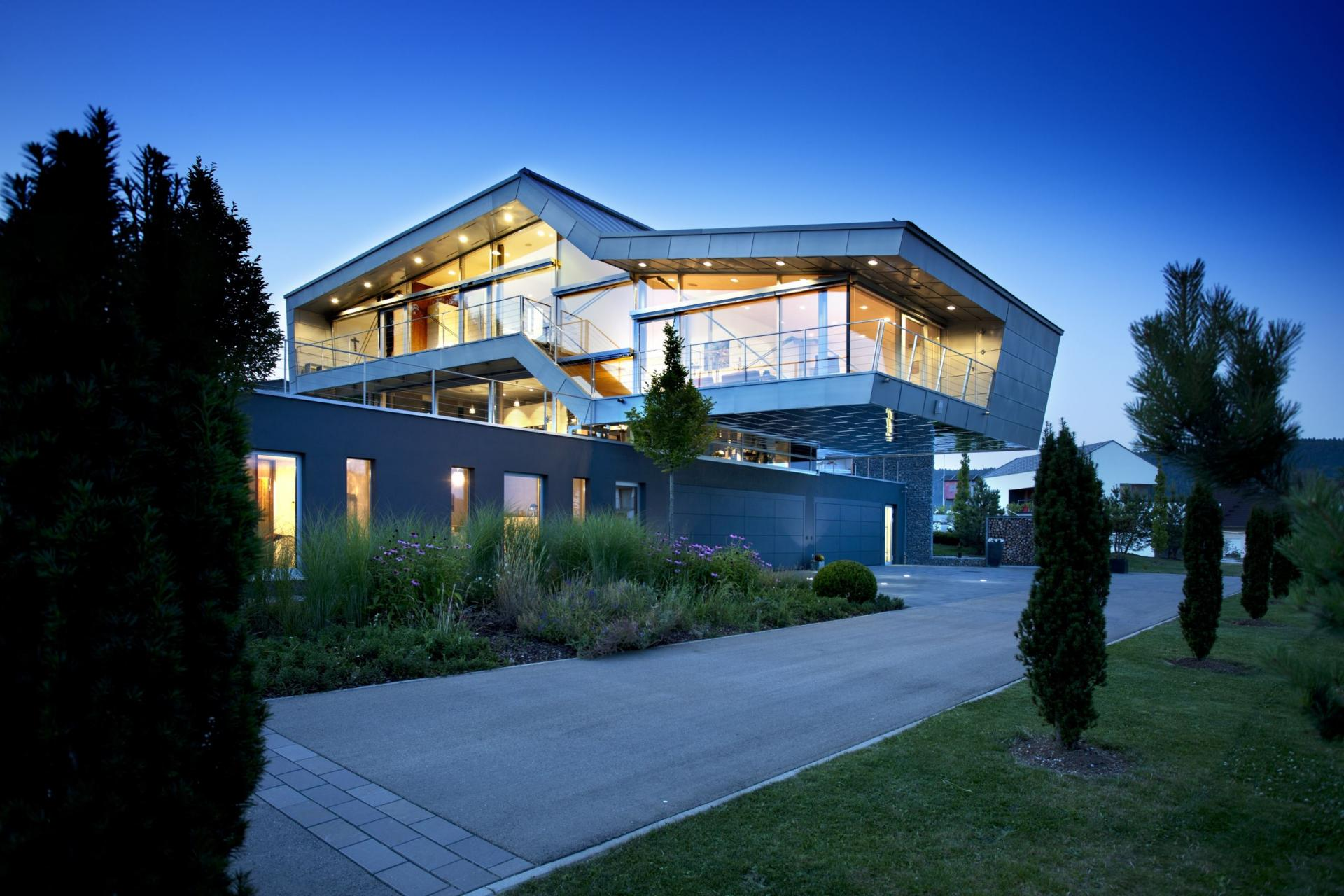 An engineer 39 s incredible high tech dream home for Incredible home designs