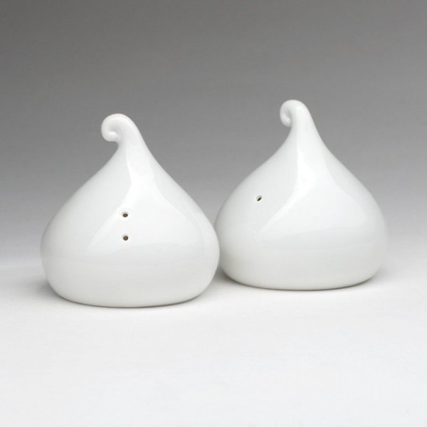 Porcelain drops with a distinctive swirl on top, these shakers mimic the shape of a Hershey's Kiss to please any chocolate aficionado.