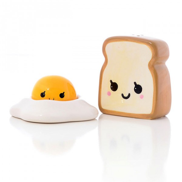 These toast and bread spice shakers are almost unbearably cute. Breakfast this charming has to be a fantastic way to start the day with a smile.