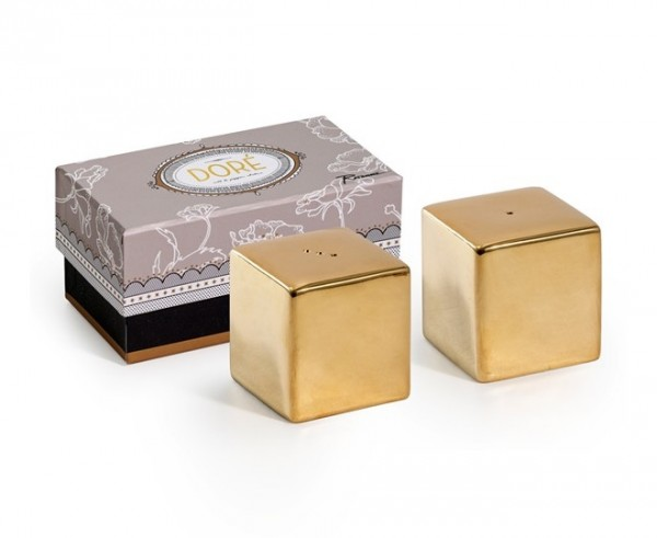 Doré Salt & Pepper Shakers are made of gilded porcelain to add a touch of sophistication to the table setting. Refined utensils like these won't go out of style any time soon. And they come in a gorgeous box to make a nice presentation as a gift.