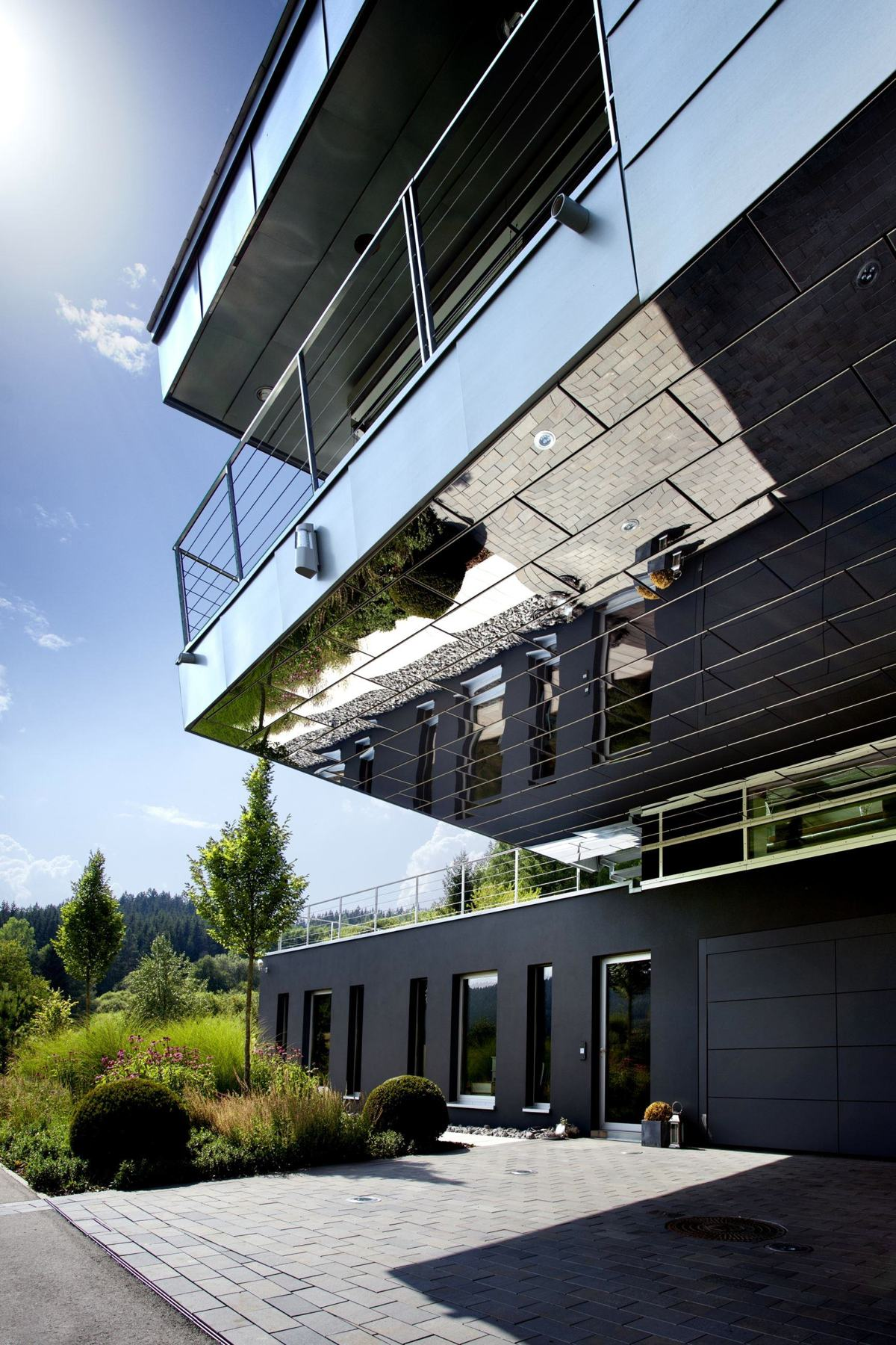 Reflective Home Cladding - An engineer s incredible high tech dream home