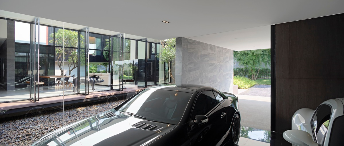 Luxury Carpark Luxury Garage - Spectacular modern house with courtyard swimming pool
