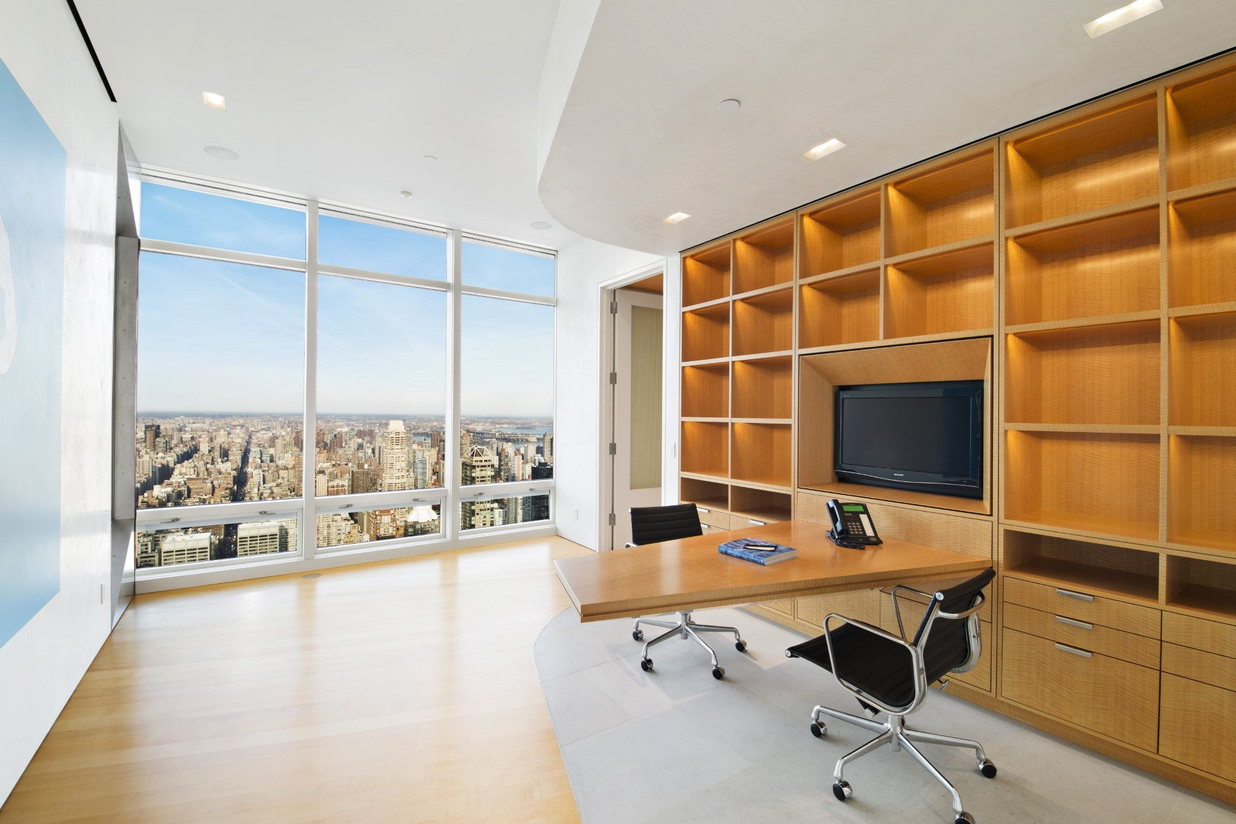 Small Luxury Home Office: Luxurious & Inspiring Penthouses