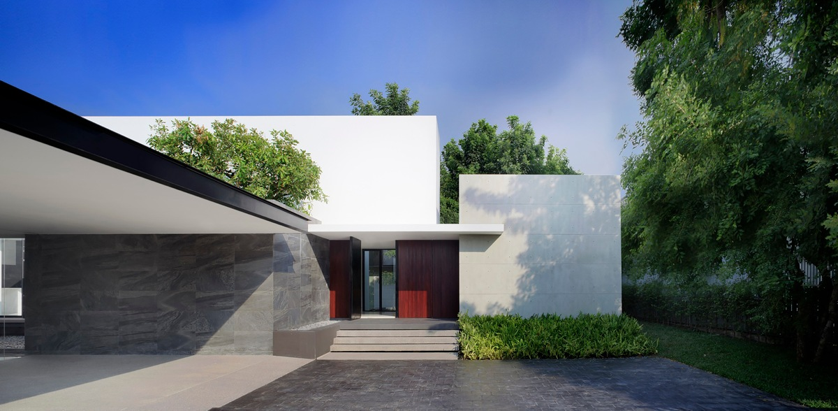 Stunning Modern Archictecture - Spectacular modern house with courtyard swimming pool