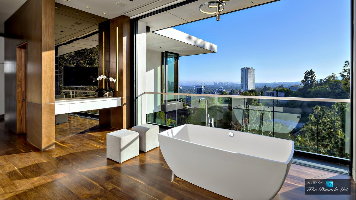 Dream Bathroom Tub With A View - A modern california house with spectacular views