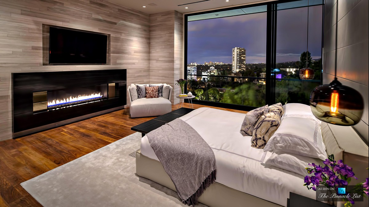 Incredible Fireplace Ideas - A modern california house with spectacular views