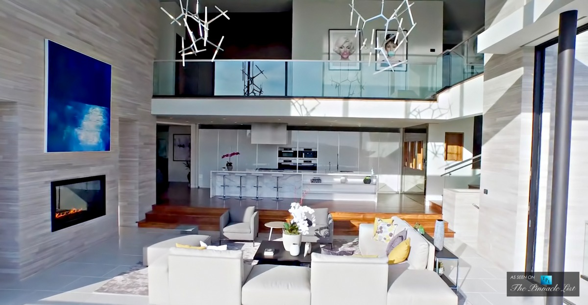 Luxury Residence Living Room White Design - A modern california house with spectacular views