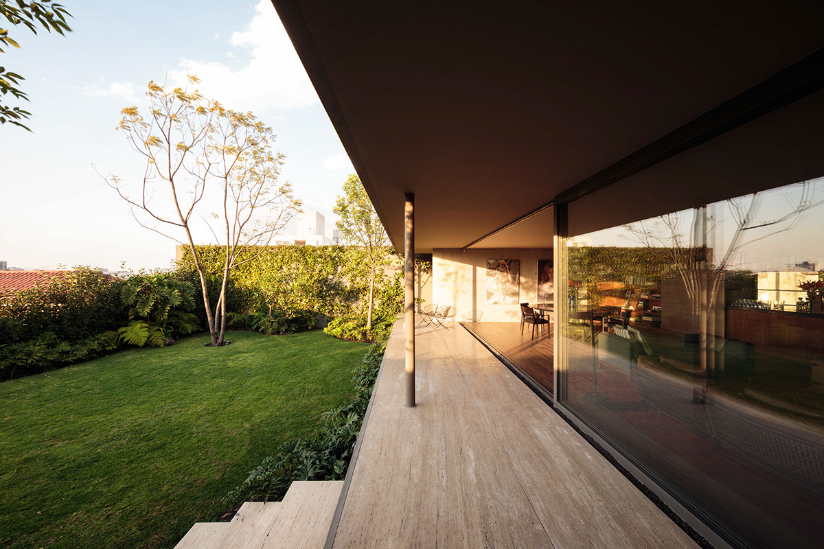 Indoor Outdoor Home Architecture - An atmospheric approach to modernist architecture in mexico