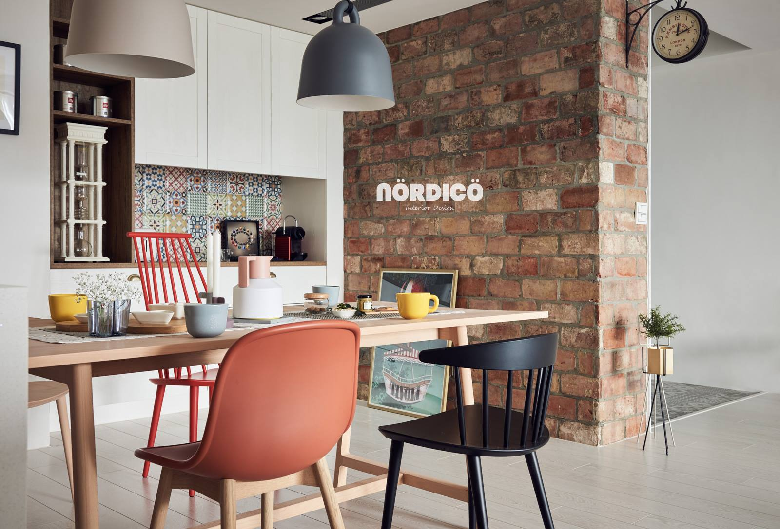 Mismatched Dining Chairs By Nordic Designers - Nordic decor inspiration in two colorful homes