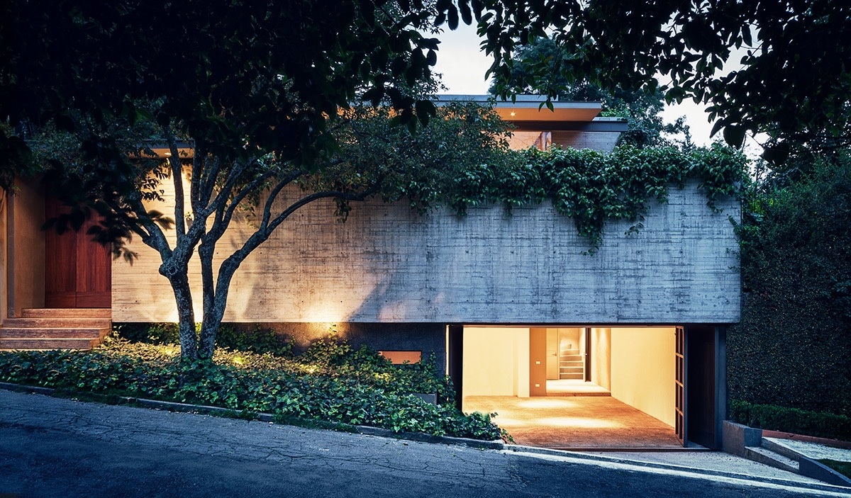 Private Concrete Home Cladding - An atmospheric approach to modernist architecture in mexico