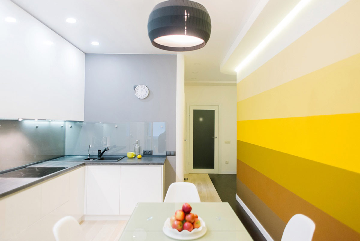 Gradient Yellow Kitchen Accent Wall - 22 yellow accent kitchens that really shine