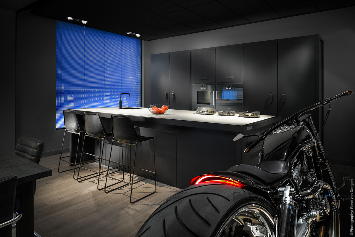 Bachelor Kitchen Roaring Motorbike Blue Screen Wndow Black Cabinetry - 36 stunning black kitchens that tempt you to go dark for your next remodel