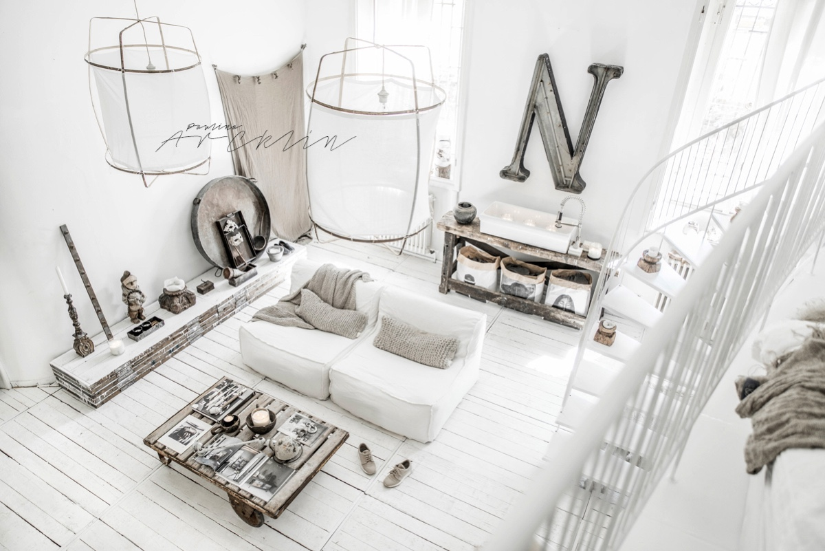 Cottage chic meets industrial decor in this amazing milan apartment
