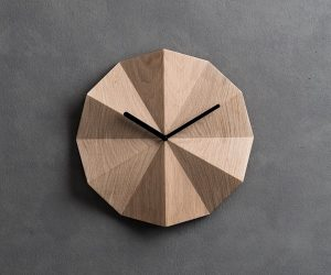 Superb  Wooden Wall Clocks To Warm Up Your Interior
