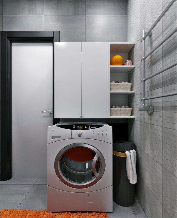 How To Create A Greyscale Bathroom: 3 Small Apartments That Rock Uncommon Color Schemes [With