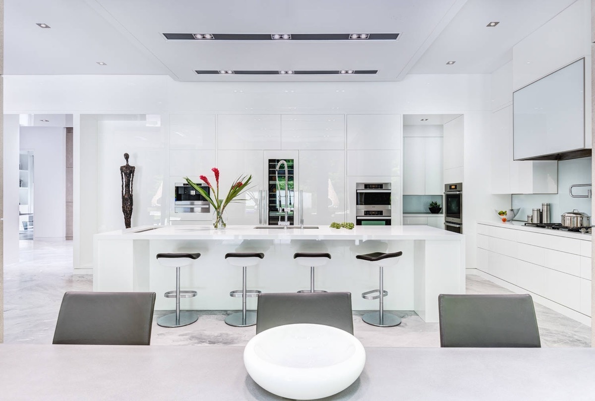 Pop Art White And Grey Marble Kitchen - 36 marvellous marble kitchens that spell luxury