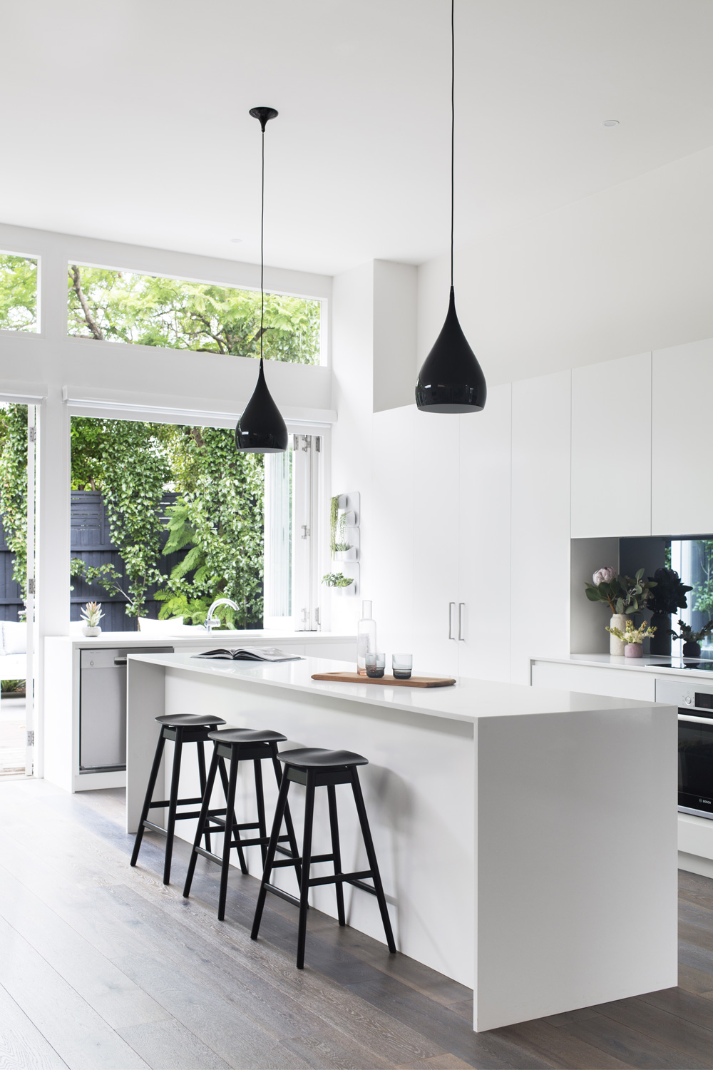 40 beautiful black white kitchen designs for Beautiful white kitchen designs