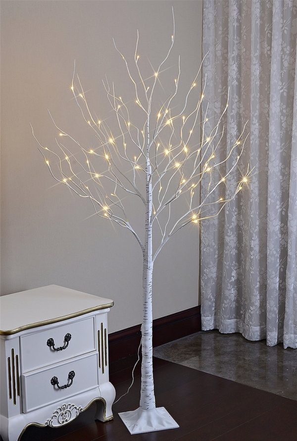 http://cdn.home-designing.com/wp-content/uploads/2016/12/LED-birch-tree-vintage-christmas-decorations-600x891.jpg