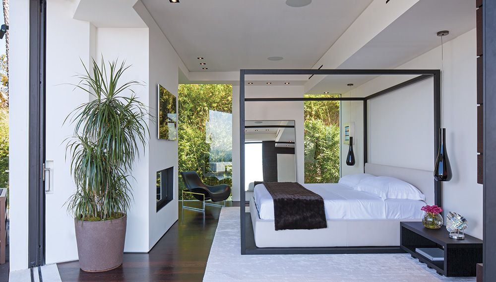 Modern Four Poster Beds 32 fabulous 4 poster beds that make an awesome bedroom