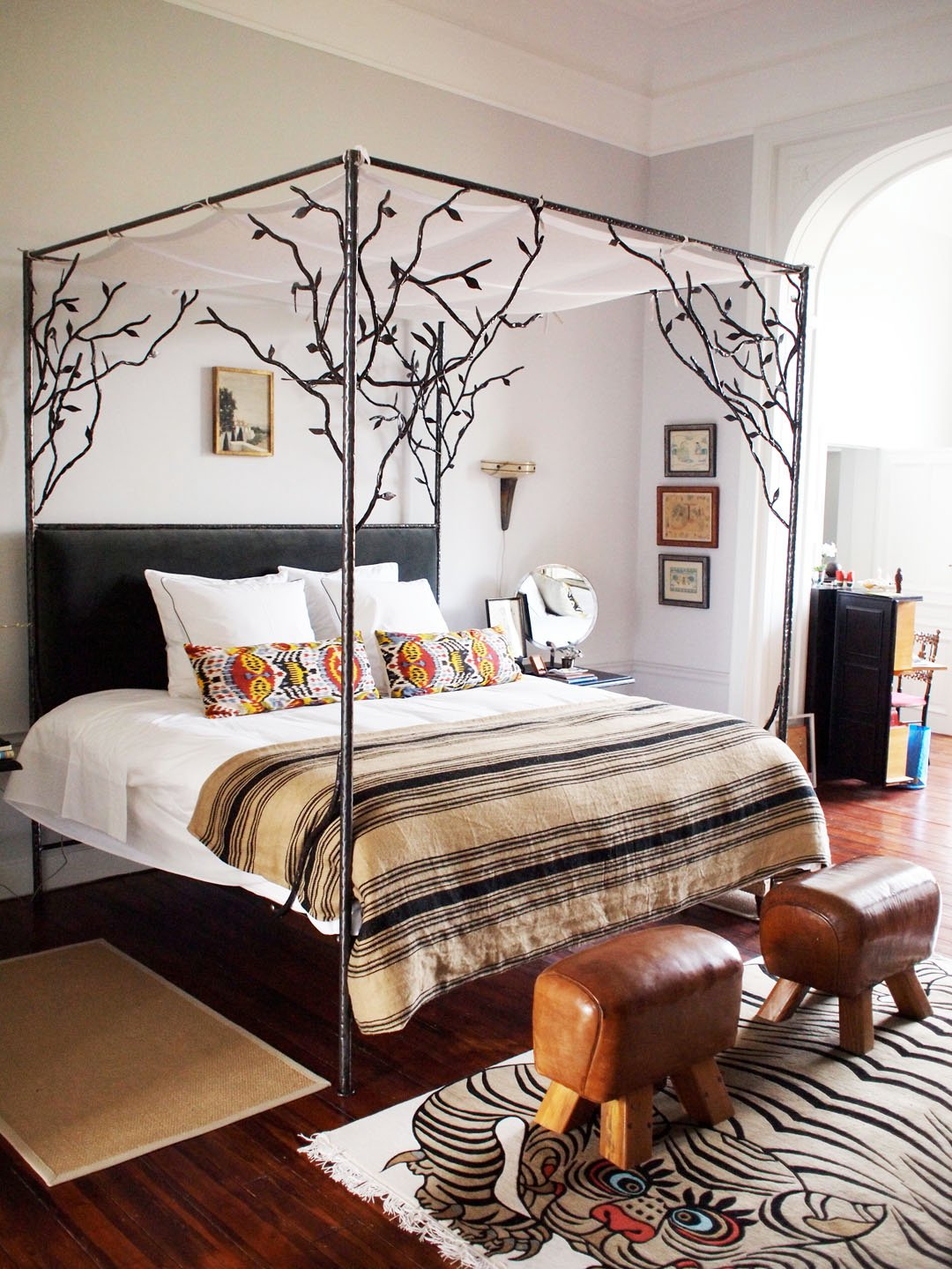 32 fabulous 4 poster beds that make an awesome bedroom Awesome bed frames