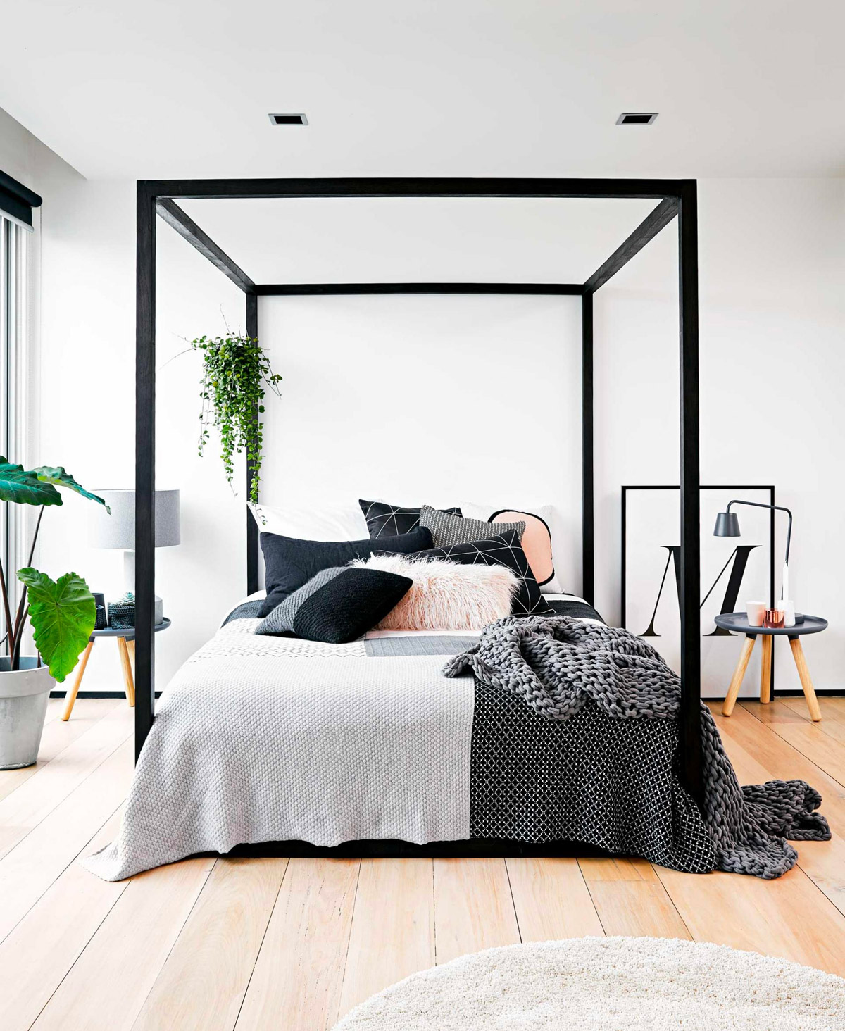 32 fabulous 4 poster beds that make an awesome bedroom for Bed designs 2016