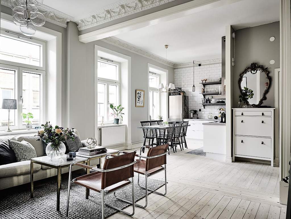 Victorian Iron Mirror Grey Painted Furniture - Grey and white interior design inspiration from scandinavia