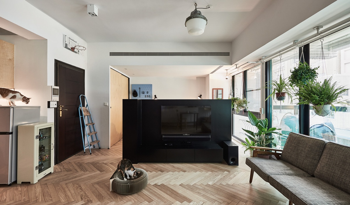 Black Cabinet Room Divider Chic - Cat owner s cramped apartment gets room to breathe