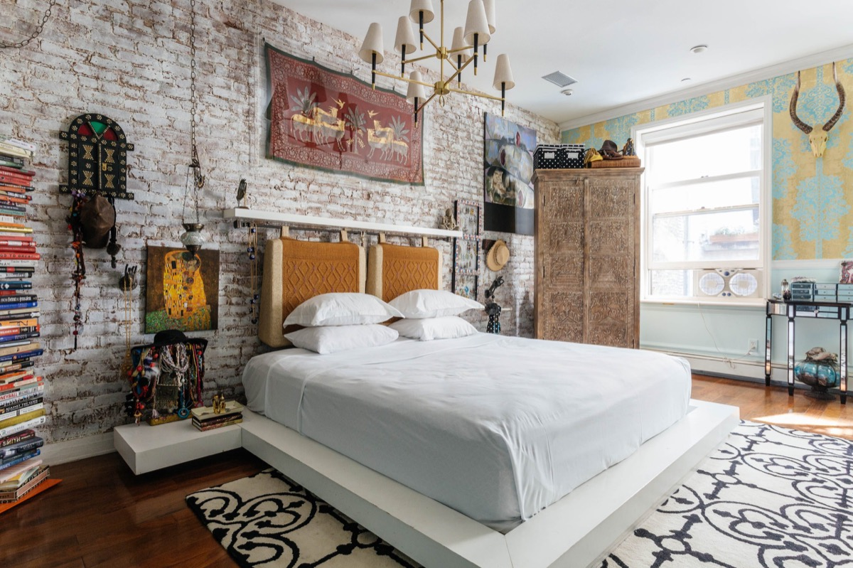 Modern Gothic Exposed Brick Bedroom - Bedrooms with exposed brick walls
