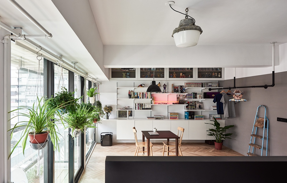 Stylish Living Area Small Apartment - Cat owner s cramped apartment gets room to breathe