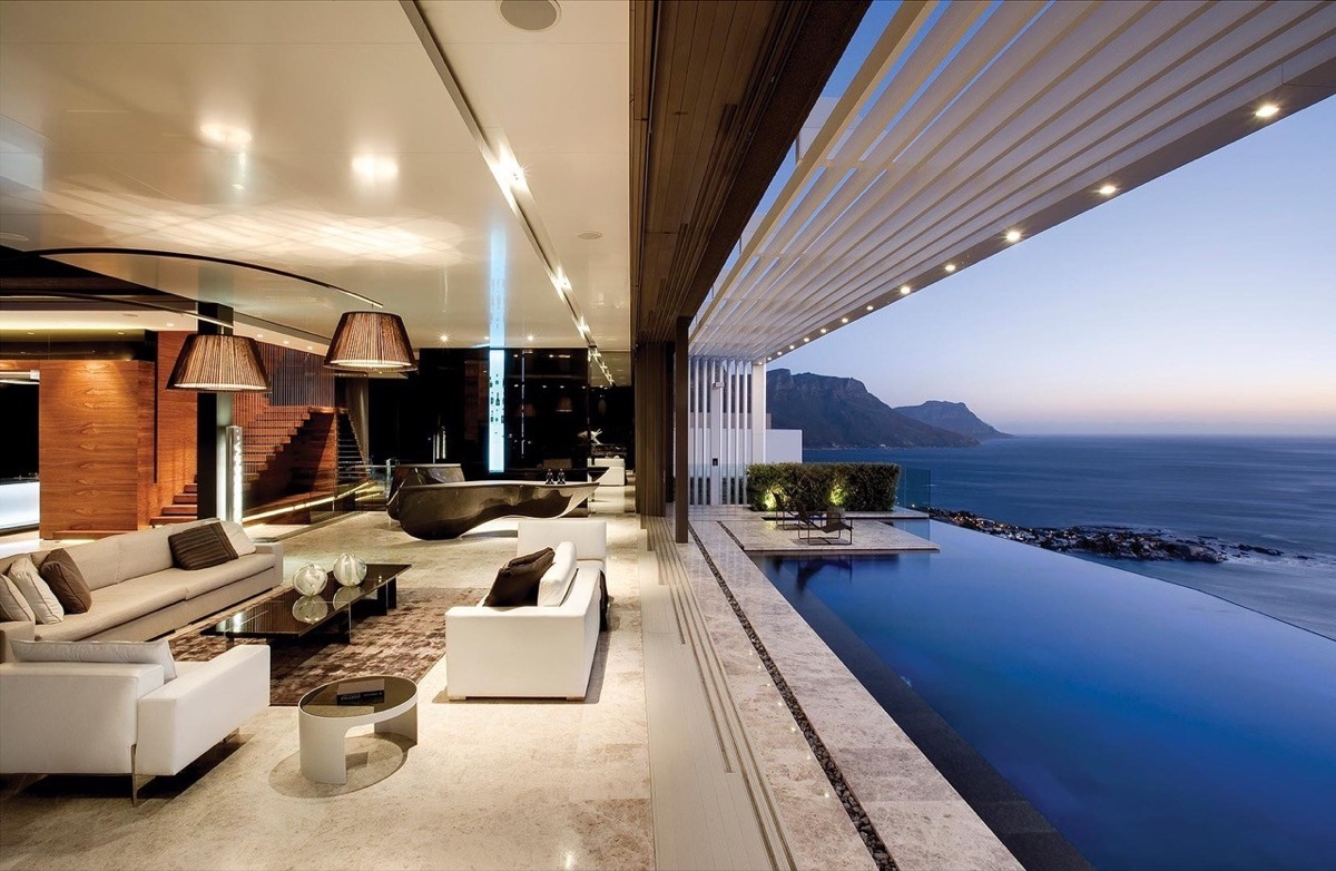 25 living rooms that sport spectacular views for Villas with infinity pools