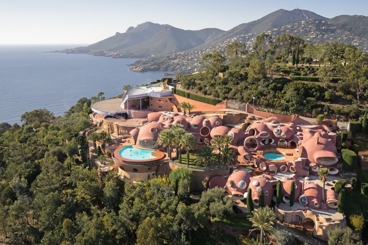 Pink Domes Nestled In Hill Pierre Cardin Bubble Palace - Take a tour of pierre cardin s 300 million pound bubble mansion