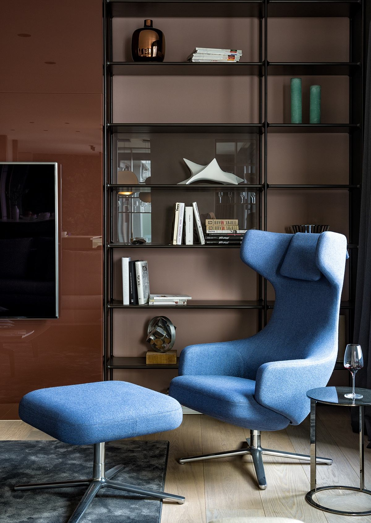 Close Up Of Curio - Modern perfection in kyiv apartment