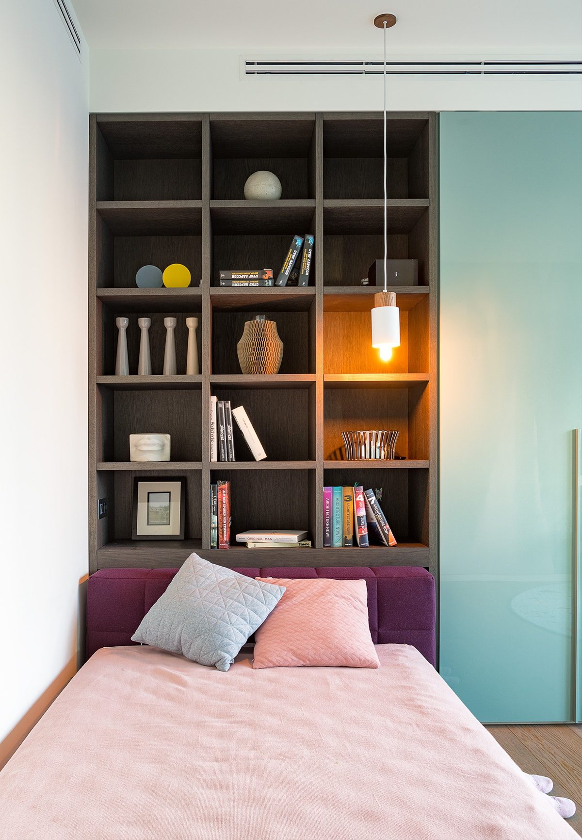 Twin Bed Bookshelves - Modern perfection in kyiv apartment