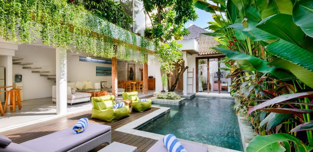 Gorgeous tropical villas in bali for Pool design for villa