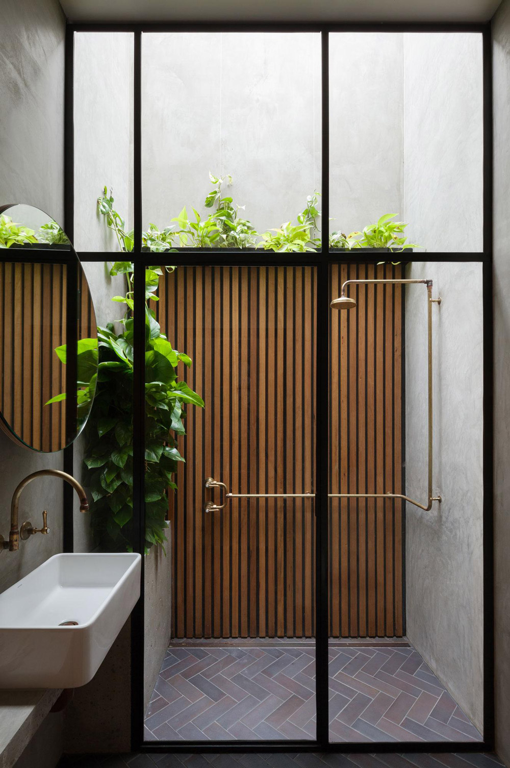 Japanese Window Wooden Outside Shower - 50 stunning outdoor shower spaces that take you to urban paradise