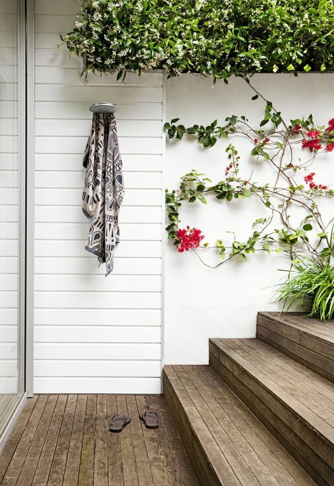Ivy And Steps Easy Outdoor Shower - 50 stunning outdoor shower spaces that take you to urban paradise