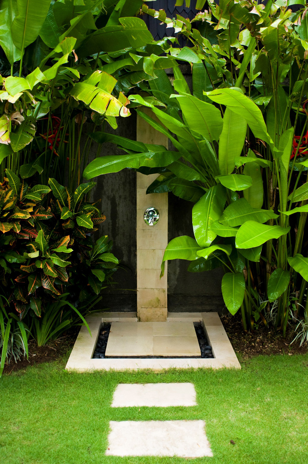 Leafy Stone Path Outdoor Shower Designs - 50 stunning outdoor shower spaces that take you to urban paradise