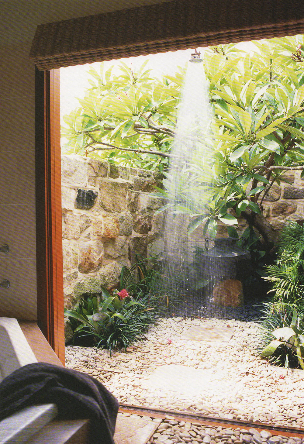 Stones And Flowers Garden Shower Ideas - 50 stunning outdoor shower spaces that take you to urban paradise