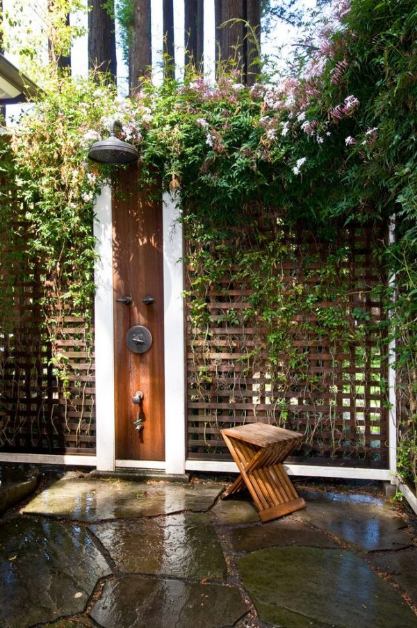 50 stunning outdoor shower spaces that take you to urban for Garden enclosure ideas