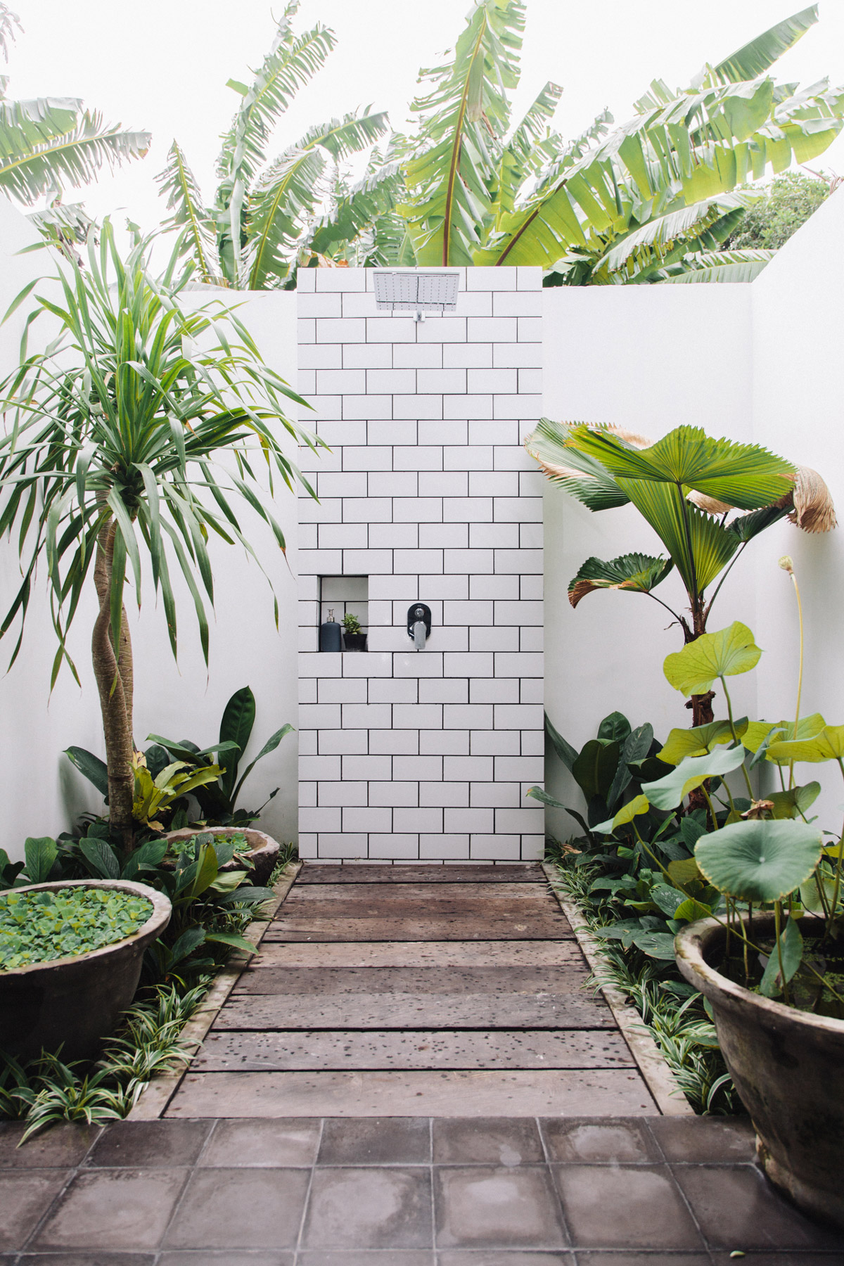Tiled Plinth Potted Plants Outdoor Shower Fixtures - 50 stunning outdoor shower spaces that take you to urban paradise
