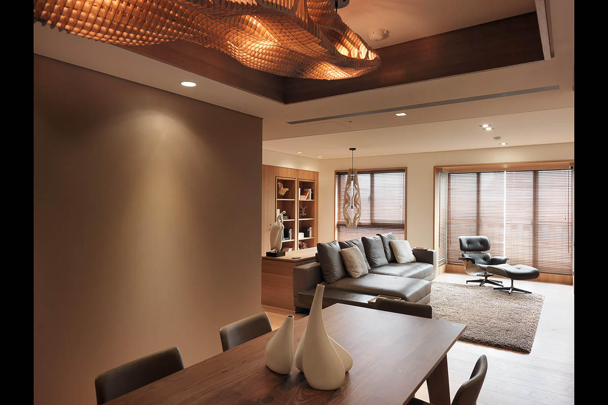 Cool Ceiling Light - 4 homes with design focused on beautiful wood elements