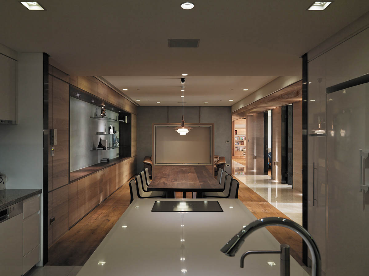 Dark Wood Table - 4 homes with design focused on beautiful wood elements