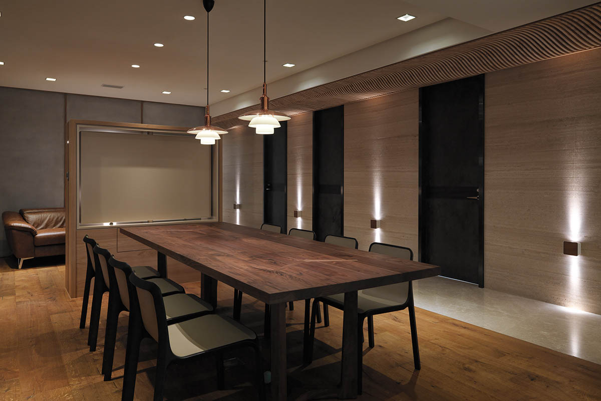Wood Dining Room Design - 4 homes with design focused on beautiful wood elements