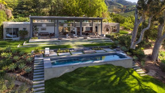 Natalie Portman's Stunning New House By Barton Myers