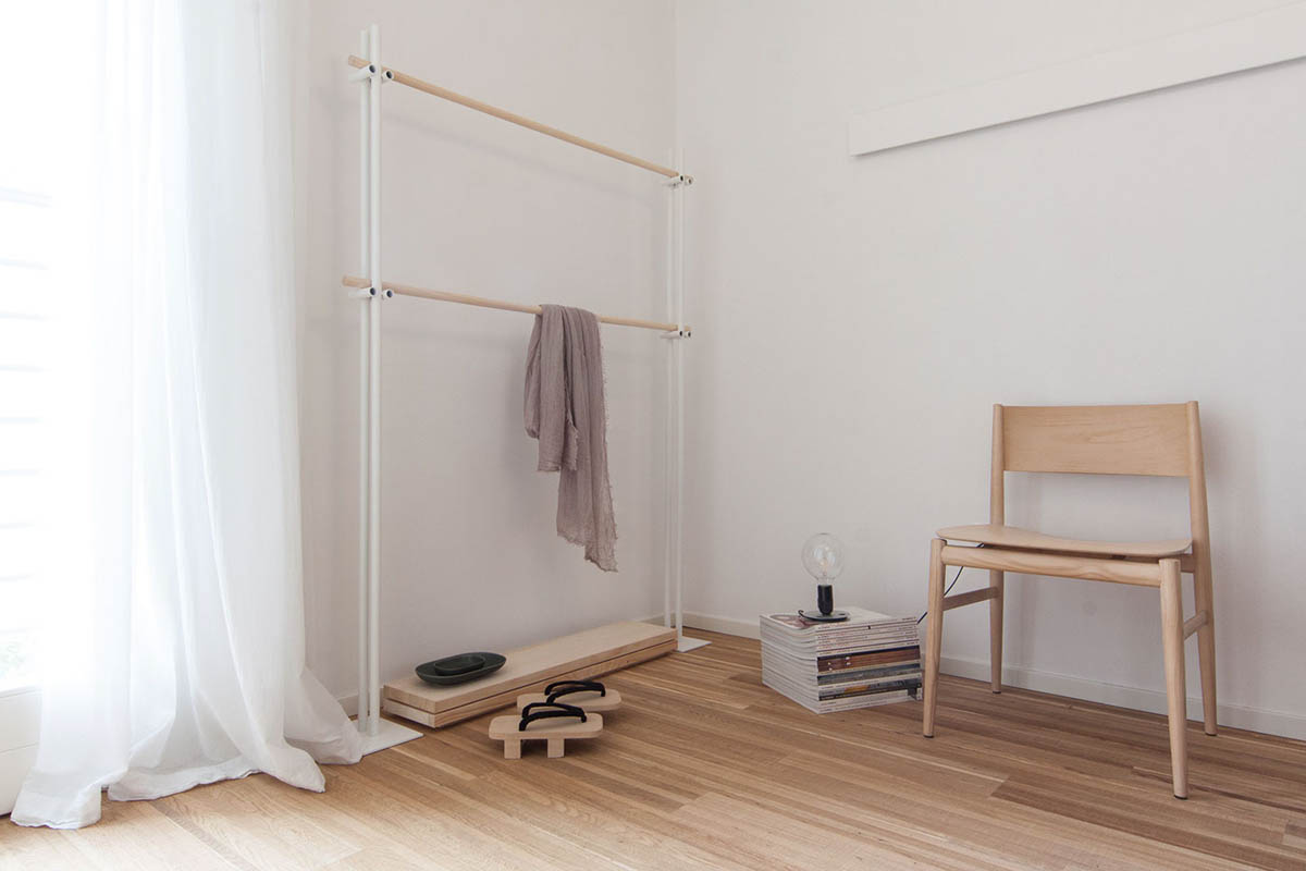 White And Wood Bedroom Japanese Slipper - 3 light and bright apartments celebrating white space