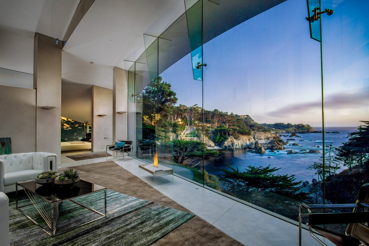 Beach House View - A stunning butterfly inspired house on the california coast
