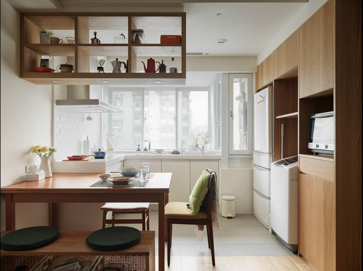 3 small apartments that make the best of the space they have for Apartment kitchen cabinets