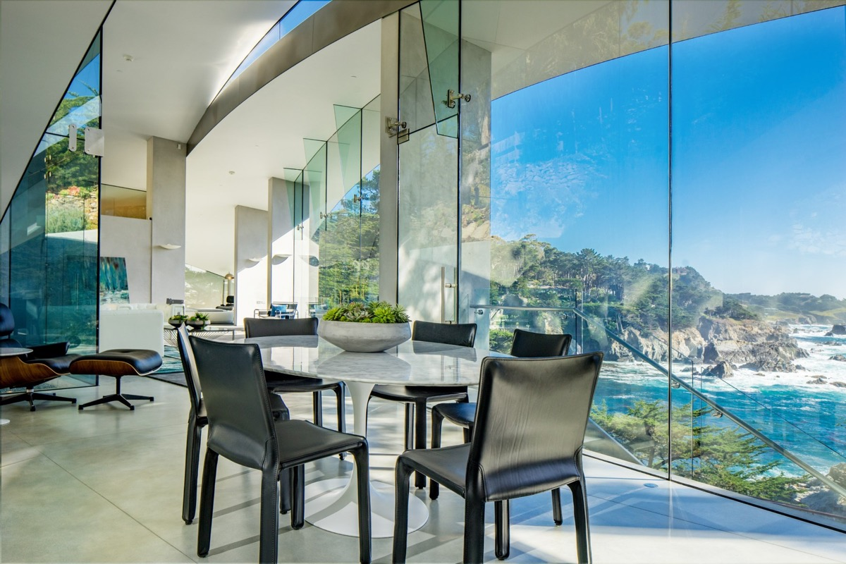 Glass Open Home - A stunning butterfly inspired house on the california coast